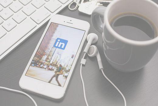 Curso para Destacar en Linkedin Mejorar Linkedin - Amel Fernández @SocialMedier